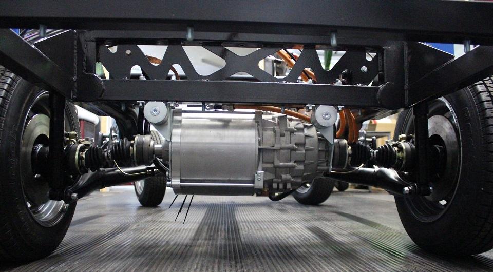 100kW-Brusa-Motor und Porsche 911 Fahrwerk